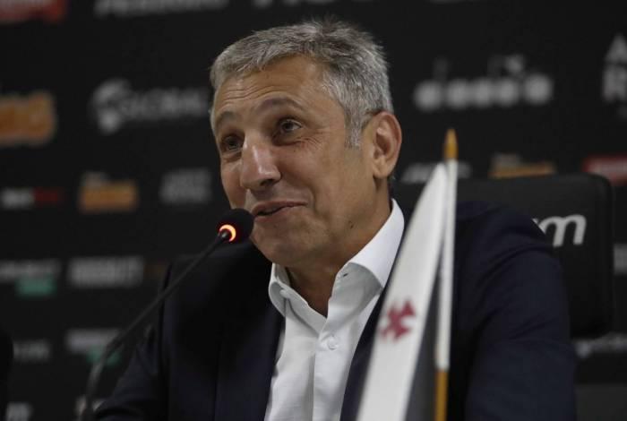 Presidente Alexandre Campello buscou técnico em outro país