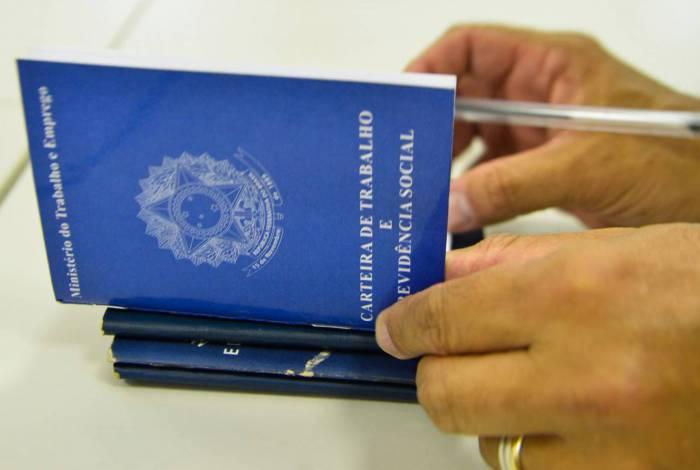 Dados oficiais ainda mostram aumento nos pedidos de seguro-desemprego