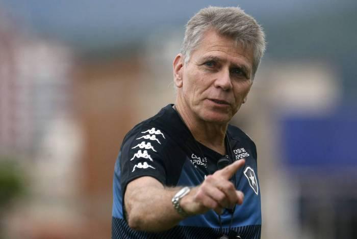 Paulo Autuori indica o caminho para o Botafogo no Campeonato Brasileiro: o das vitórias