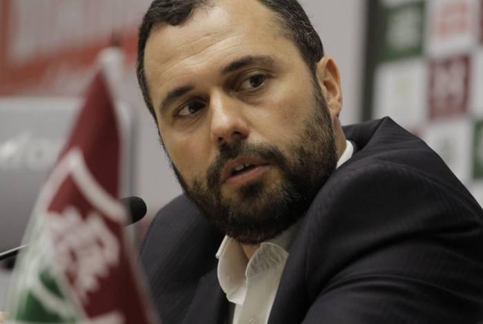 Bittencourt fez duras críticas a jogo ao lado de hospital de campanha