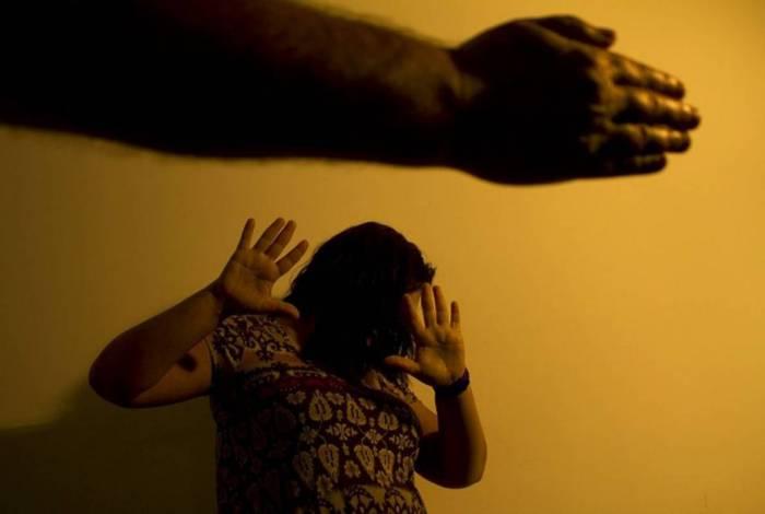 Número de casos de violência doméstica cresceu aproximadamente 50%, segundo os dados do Tribunal de Justiça do Rio (TJRJ)