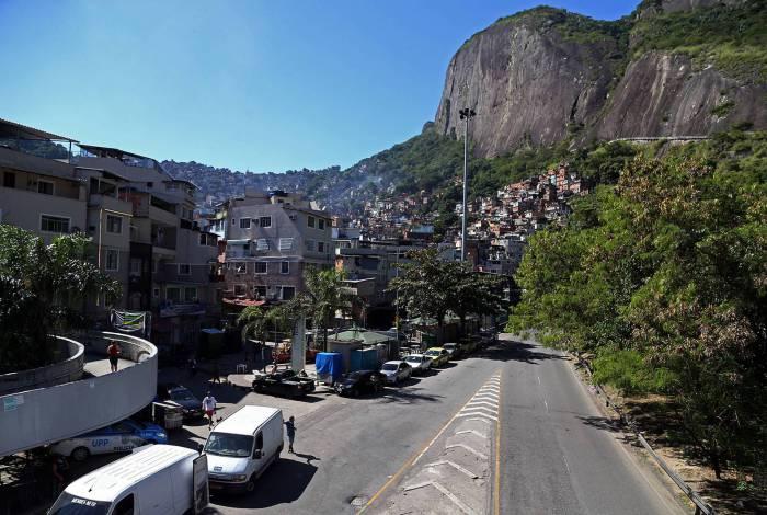 Rocinha é a comunidade com mais casos e mortes da doença na cidade