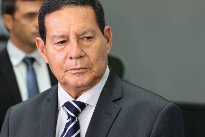 Vice-presidente Hamilton Mourão rebate críticas às queimadas