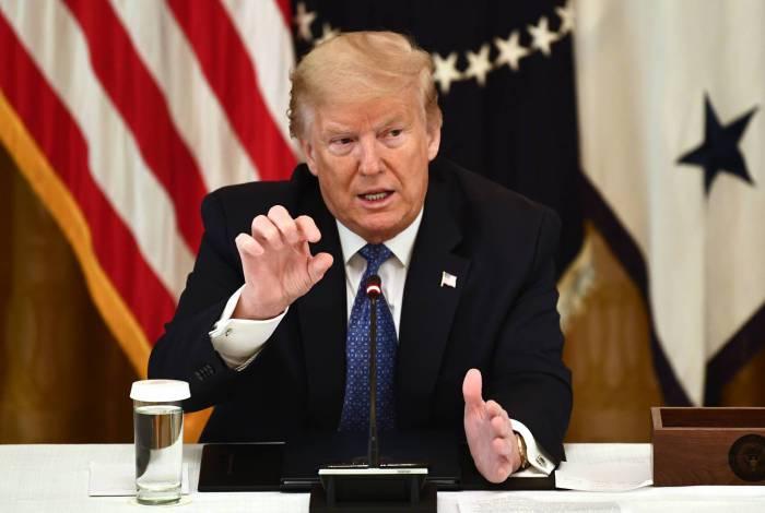 Presidente Trump acusa a OMS de ser alinhada ao governo chinês