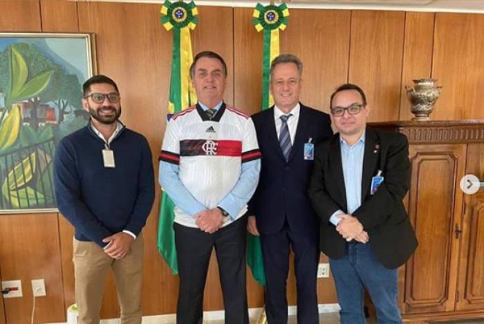 Representantes do Flamengo encontram Jair Bolsonaro