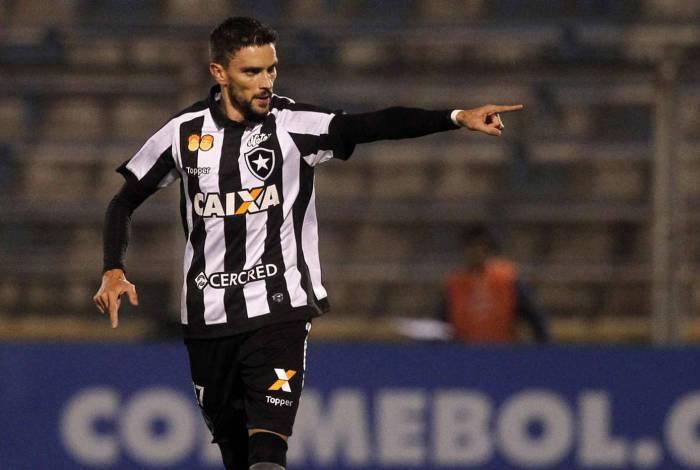 Rodrigo Pimpão comemora seu gol, que garantiu a vitória do Botafogo na estreia na Copa Sul-Americana