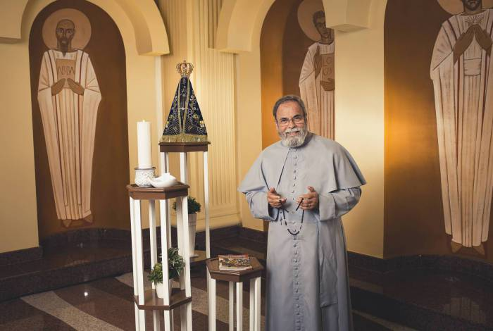 Live do Padre Antonio Maria, sábado, às 15h