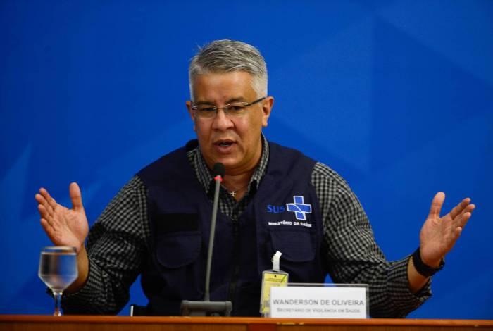 Secretário de Vigilância em Saúde, Wanderson Kleber de Oliveira, disse que a pasta pretendia espalhar 'centros de coleta de emergência' por todo o Brasil para acelerar a realização de testes