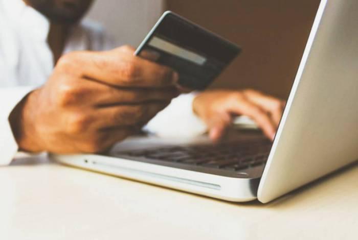 Vendas online crescem na pandemia, assim como os golpes