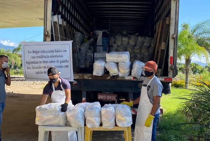 Prefeitura entrega mais de 24 mil cestas básicas aos alunos da Rede Municipal