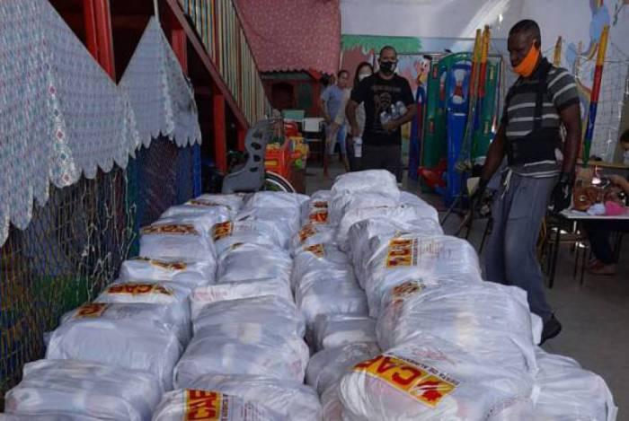 Campanha #RioContraCorona entrega 10 mil cestas básicas chegam a famílias no Rio