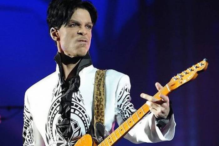 TNT exibe tributo ao Prince