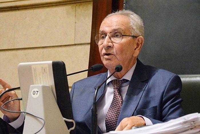 Presidente da Câmara do Rio, Jorge Felippe ocupa a prefeitura interinamente