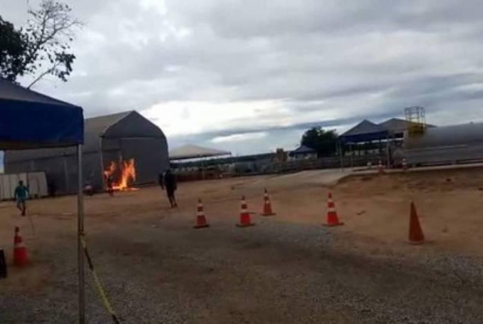 Moradores ateiam fogo em alojamento de contaminados por covid-19