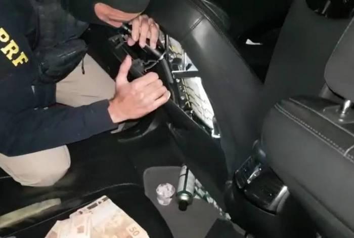 Ação faz parte da Operação Tamoio que reforça o policiamento nas rodovias federais para o combate à criminalidade