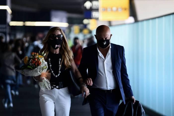 Aeroportos e fronteiras reabrem para turistas e residentes livres para viajar em Roma, na Itália
