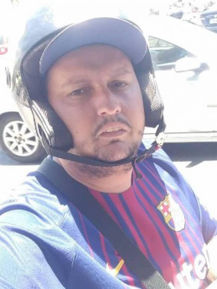 Daniel tem 28 anos e trabalha há oito como mototaxista