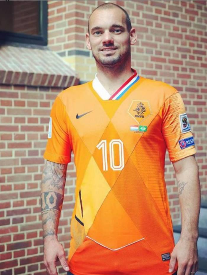 O holandês Sneijder pode reforçar o Vasco em 2021