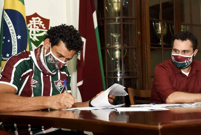 Fred assinou com o Fluminense