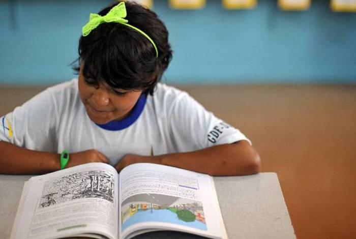 Crianças estão sem aula em todo o Brasil, em razão da pandemia de coronavírus