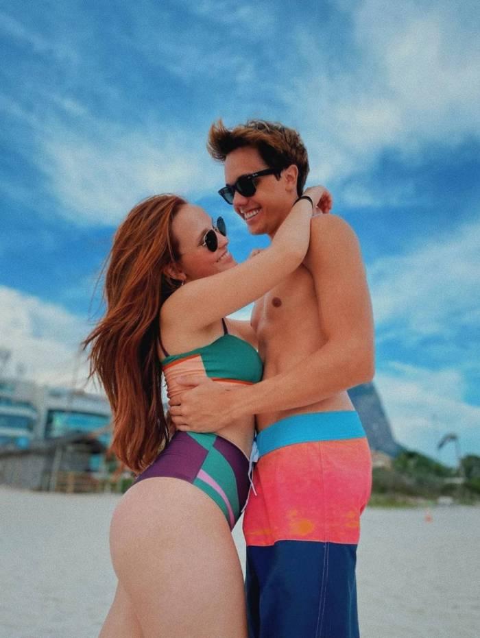 Larissa Manoela e Leo Cidade estão juntos há 2 anos e 1 mês
