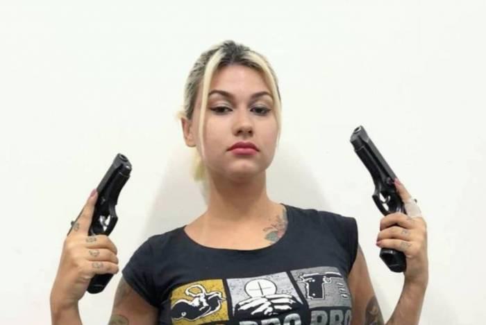 Sara Winter é bolsonarista e fez ameaças a autoridades via web
