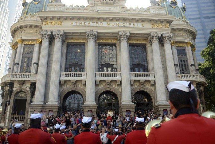 (Arquivo) Theatro Municipal do Rio de Janeiro comemora 110 anos com apresentação da Banda dos Fuzileiros Navais