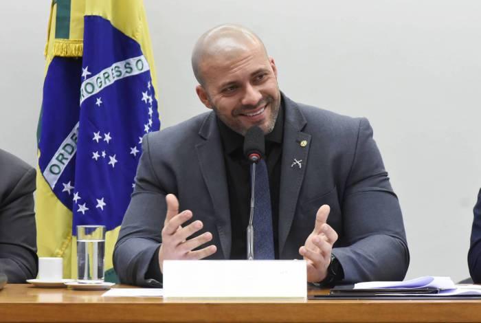 O deputado federal Daniel Silveira, do PSL do Rio, é um dos alvos da operação