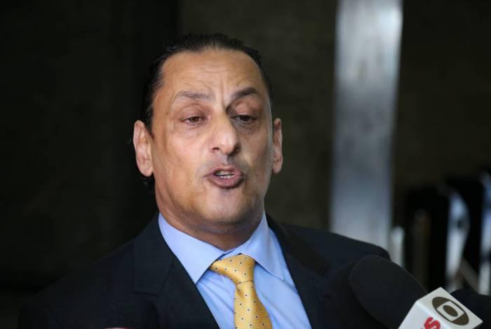 Frederick Wassef na sede da PF no Rio em 26/05/2020