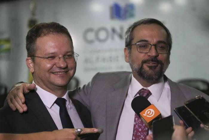 Secretário de Alfabetização, Carlos Nadalim e o ministro da Educação, Abraham Weintraub