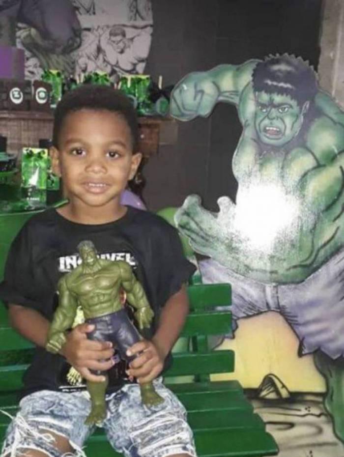 Douglas Enzo Maia dos Santos Marinho foi morto durante sua festa de aniversário de 4 anos, em Piabetá, distrito de Magé, na Baixada Fluminense