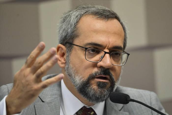 O ex-ministro Abraham Weintraub viajou para os Estados Unidos com aparato estatal brasileiro