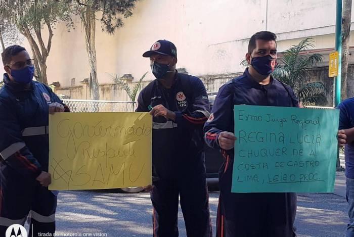 Protesto pede pagamento