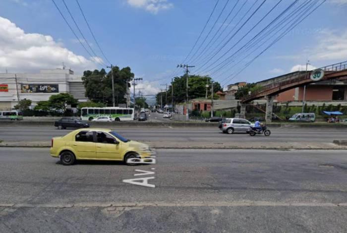 Veículo foi abordado na Rua Francisco Portela, próximo à Avenida Brasil