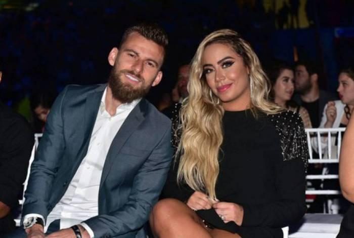Rafaella Santos reata namoro com Lucas Lima