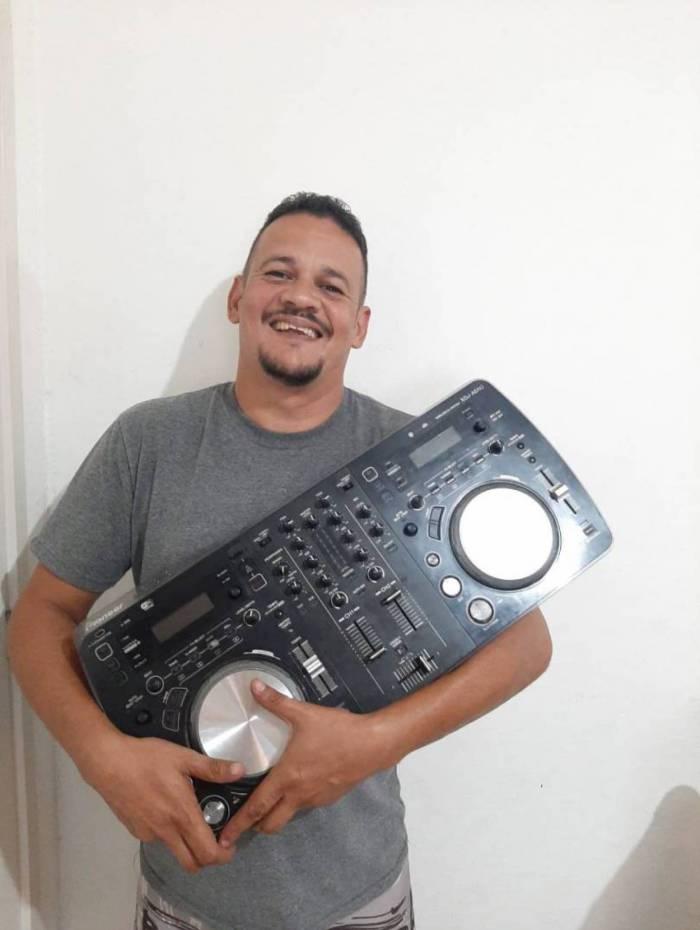 DJ Júnior Costa