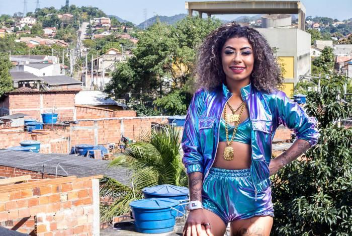 MC Bruna, cria da comunidade do Campo Novo, em Maria Paula, São Gonçalo
