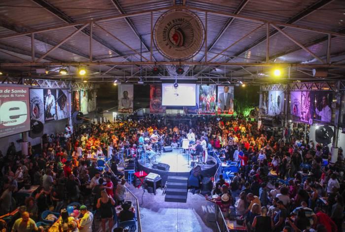 Na sede da agremiação já passaram diversos nomes da música brasileira, como Zeca Pagodinho, Emílio Santiago, Jorge Aragão, Arlindo Cruz, Jovelina Pérola Negra e o grupo Fundo de Quintal, entre outros