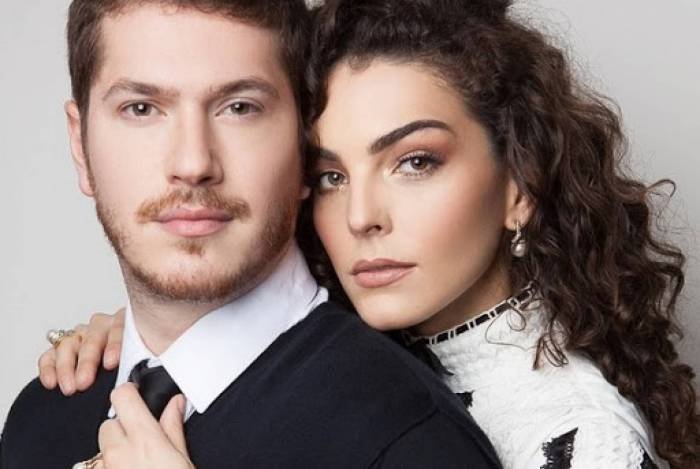 Caio Paduan e Julia Konrad