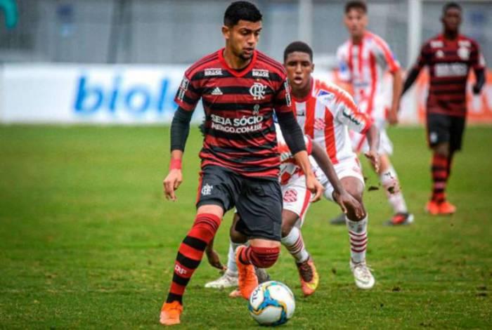 Flamengo e Al Wahda não se acertaram, e promessa da Gávea retorna ao Brasil