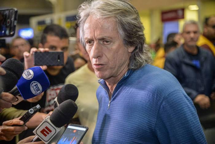 Jesus deixa o Flamengo para voltar a Portugal, onde vai comandar o Benfica