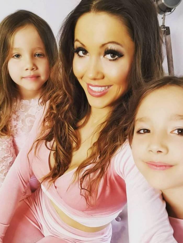 Sophie Mei Lan e as filhas