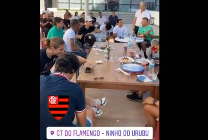 Jorge Jesus se despede do Flamengo com churrasco no Ninho