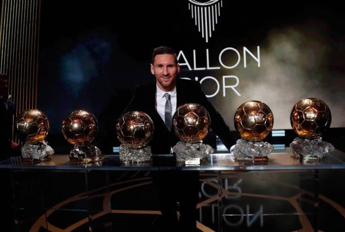 Barcelona reage ao cancelamento do Bola de Ouro exaltando Lionel Messi