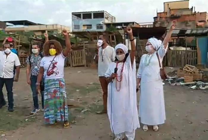 Entidades públicas e privadas fizeram manifestações contra a construção da unidade escolar