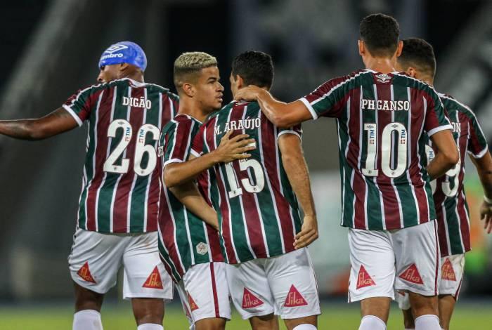 Fluminense vence o Botafogo em amistoso no Nilton Santos