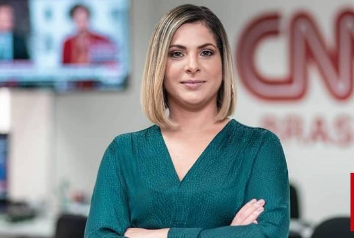 Daniela Lima solta indireta para Alexandre Garcia: 'Hidroxicloriquina não tem eficácia'