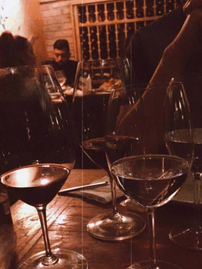 Gabigol janta com Rafaella Santos na Barra