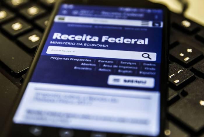 Receita paga o 3º lote de restituição de imposto de renda nesta sexta-feira