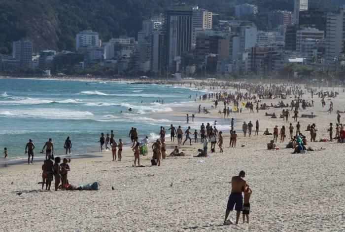 Movimentação nas praias durante a pandemia. Na foto, Ipanema